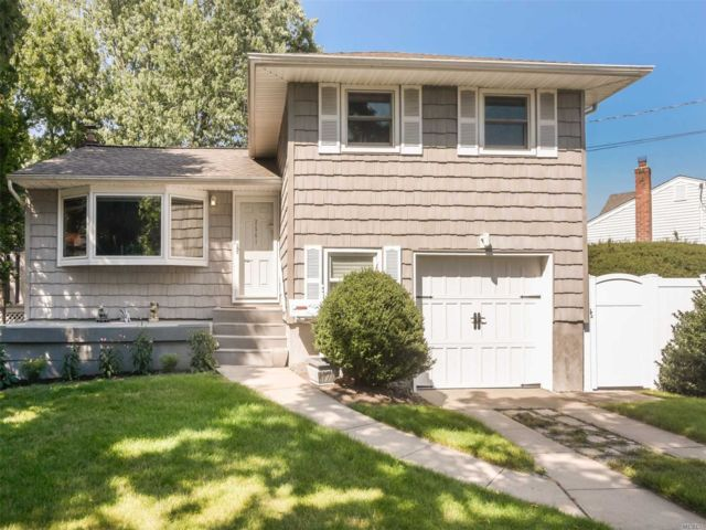 2 BR,  1.50 BTH  Split style home in East Meadow