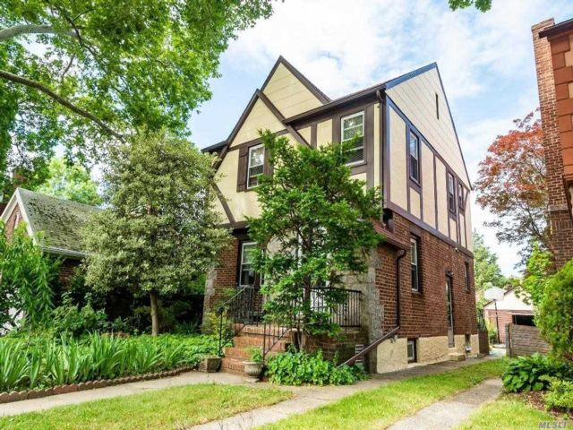3 BR,  2.00 BTH Tudor style home in Flushing