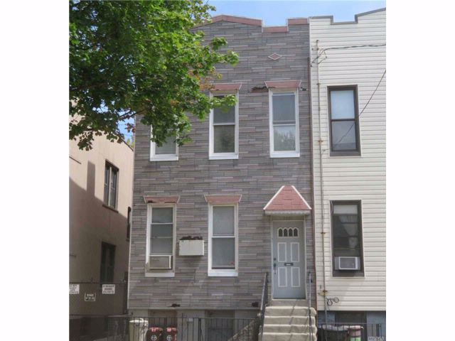 5 BR,  2.00 BTH Contemporary style home in Ridgewood