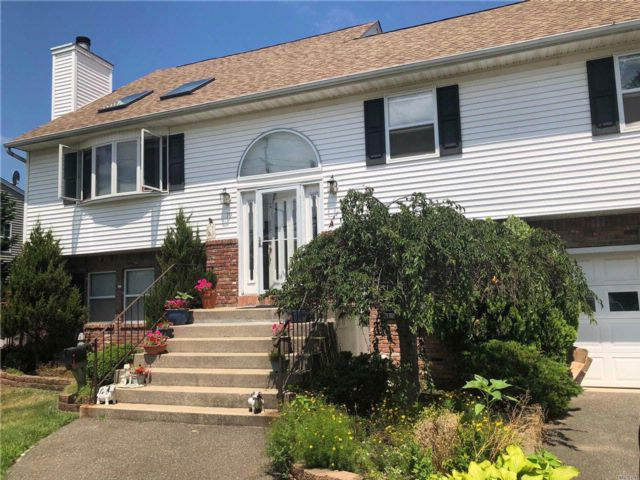 [East Islip Real Estate, listing number 3022270]