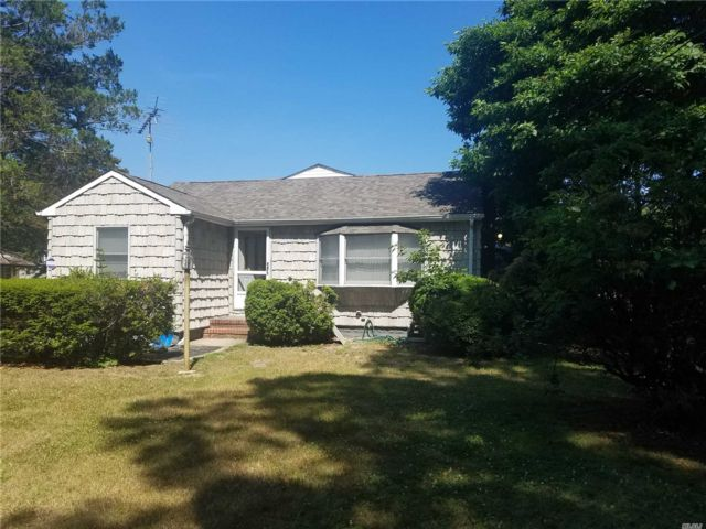 3 BR,  3.00 BTH  Exp ranch style home in Port Jefferson Station