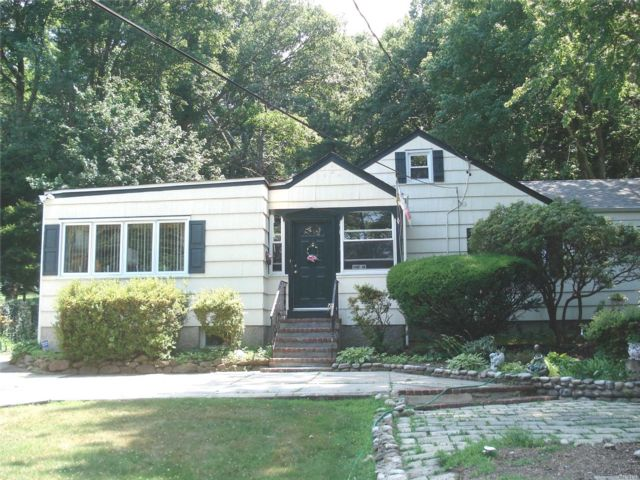 3 BR,  2.00 BTH Ranch style home in Northport