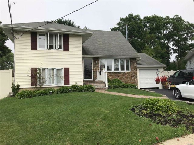 [Copiague Real Estate, listing number 3022333]