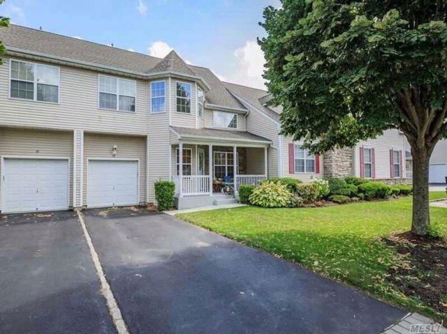 3 BR,  2.50 BTH Condo style home in Miller Place