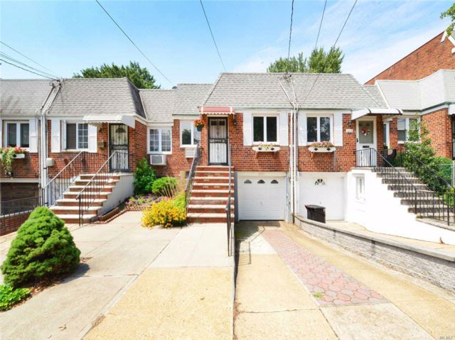 3 BR,  1.50 BTH  Raised ranch style home in Middle Village