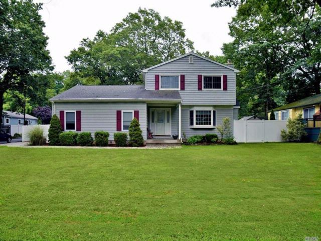 3 BR,  2.00 BTH  Colonial style home in Miller Place