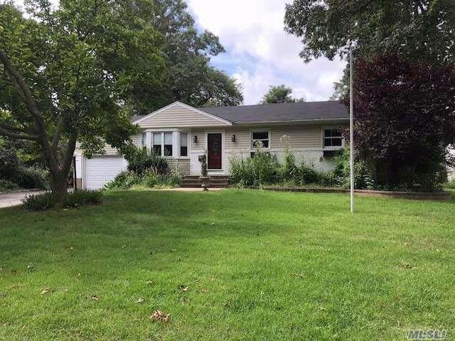 3 BR,  1.00 BTH  Ranch style home in Port Jefferson