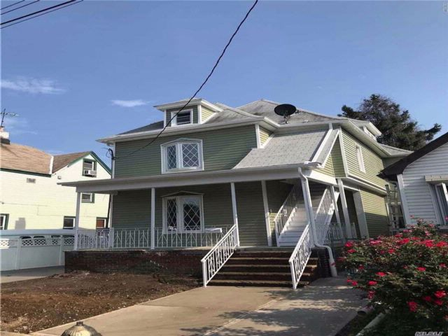6 BR,  4.00 BTH 2 story style home in Richmond Hill