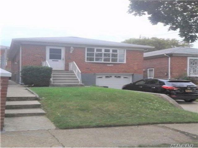 3 BR,  1.50 BTH  Hi ranch style home in Flushing