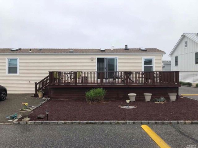 2 BR,  1.50 BTH Other style home in Montauk