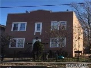 4 BR,  4.00 BTH 2 story style home in Hempstead