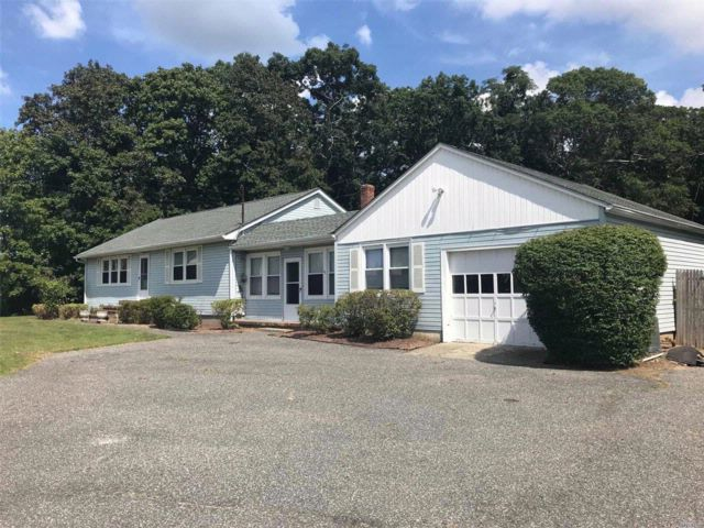 [Center Moriches Real Estate, listing number 3027611]