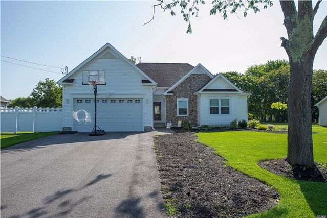 [East Patchogue Real Estate, listing number 3028009]