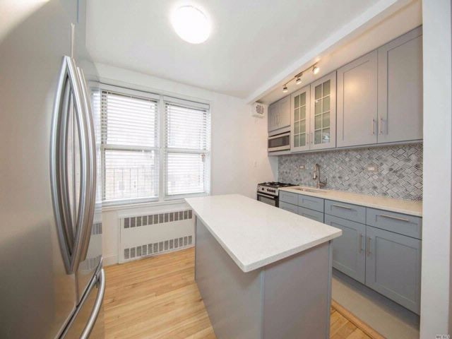 1 BR,  1.00 BTH  Co-op style home in Jackson Heights