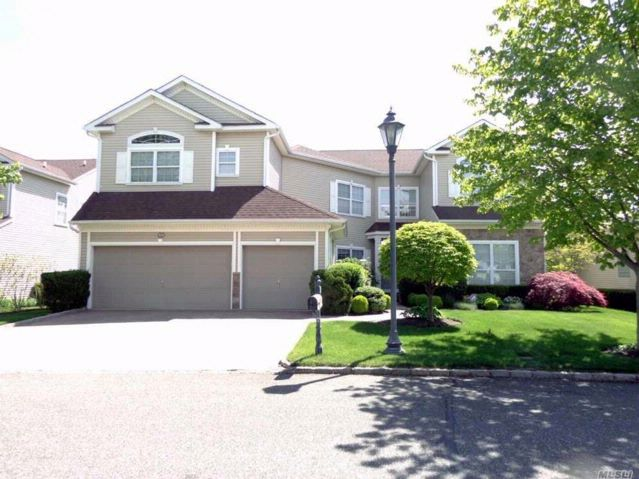 5 BR,  3.50 BTH Post modern style home in Mt. Sinai