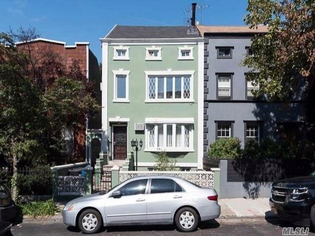 [Williamsburg Real Estate, listing number 3029827]