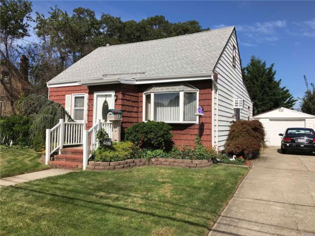[Copiague Real Estate, listing number 3030379]