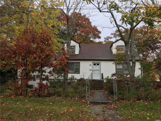 [Copiague Real Estate, listing number 3030852]