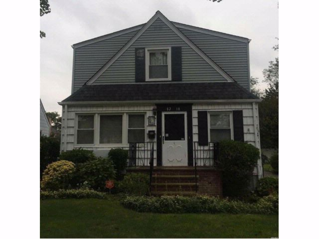 5 BR,  2.00 BTH  Colonial style home in Floral Park