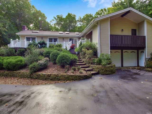 4 BR,  3.00 BTH Ranch style home in Shoreham