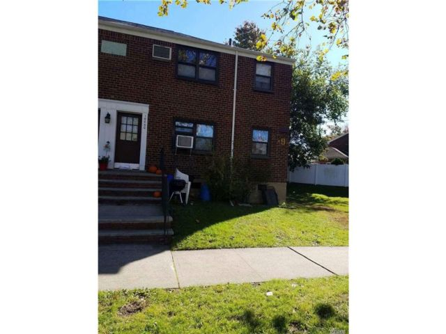 [Whitestone Real Estate, listing number 3032912]