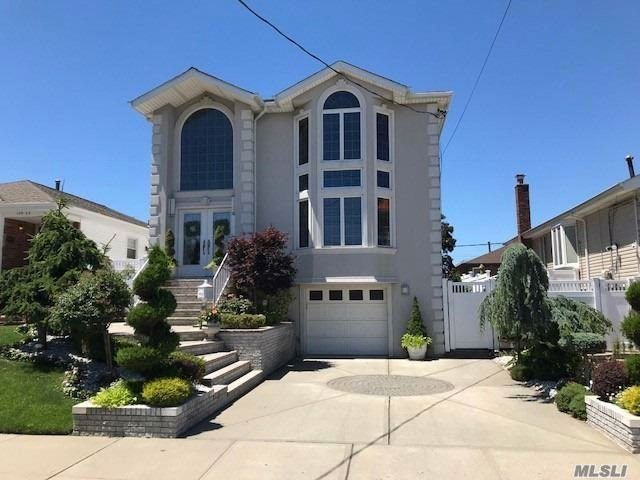 [Howard Beach Real Estate, listing number 3033260]