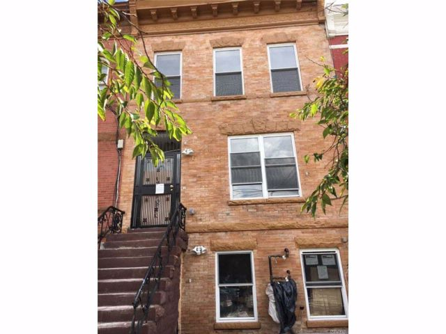 7 BR,  3.50 BTH Townhouse style home in Bedford Stuyvesant