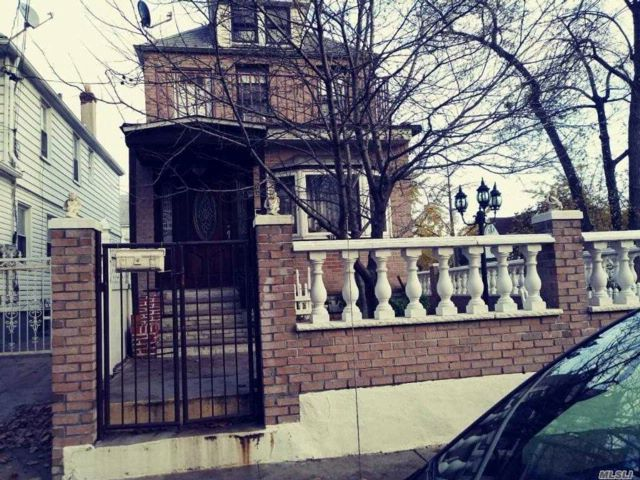 3 BR,  2.00 BTH Other style home in South Ozone Park