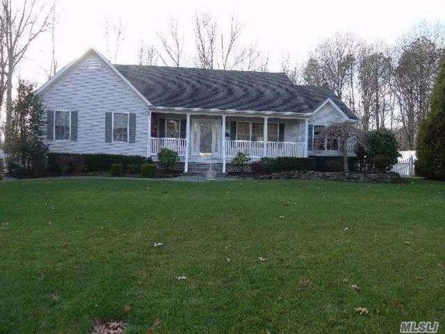 3 BR,  2.50 BTH Exp ranch style home in Wading River