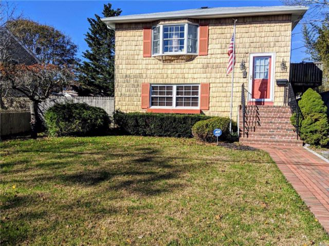 [East Patchogue Real Estate, listing number 3034247]