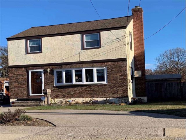 3 BR,  2.00 BTH  Colonial style home in West Hempstead