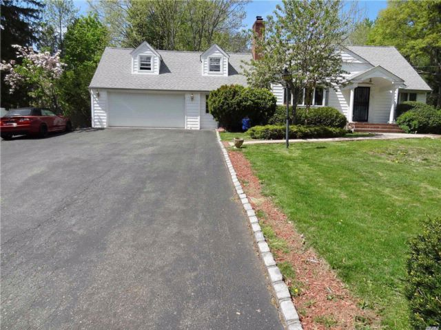 3 BR,  2.00 BTH  Cape style home in Dix Hills