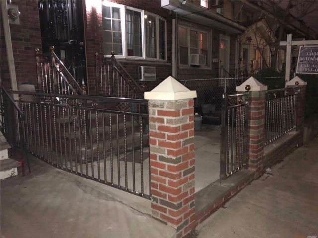 3 BR,  2.50 BTH Townhouse style home in Woodhaven