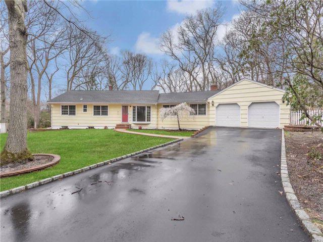 4 BR,  3.50 BTH  Exp ranch style home in Setauket