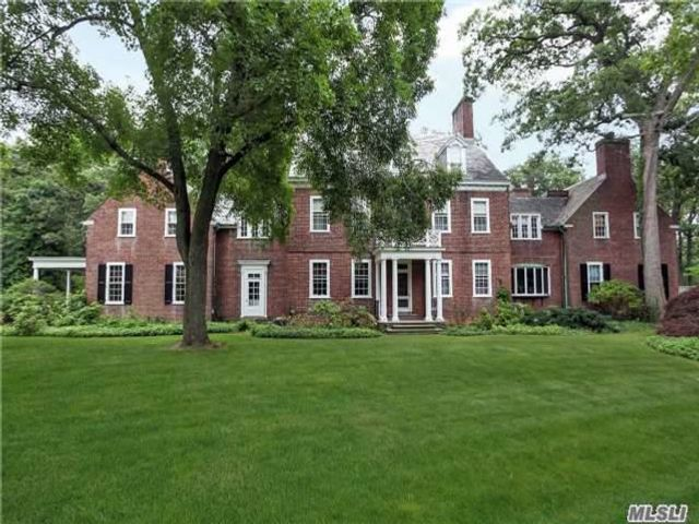 11 BR, 10.00 BTH  Estate style home in Cold Spring Harbor