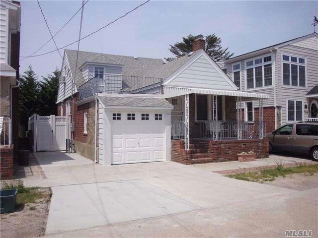 4 BR,  2.00 BTH  Cape style home in Point Lookout