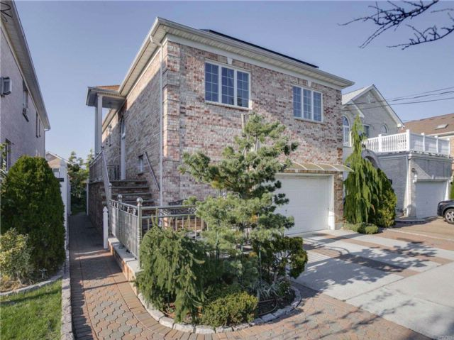 [Whitestone Real Estate, listing number 3037019]