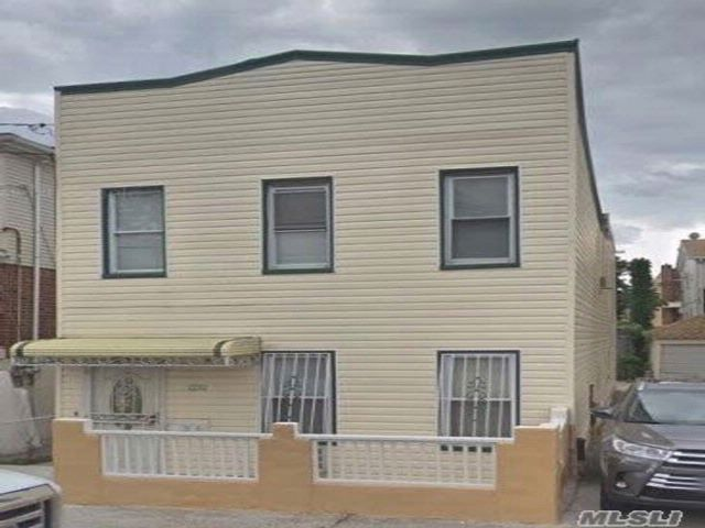 6 BR,  2.50 BTH 2 story style home in Canarsie