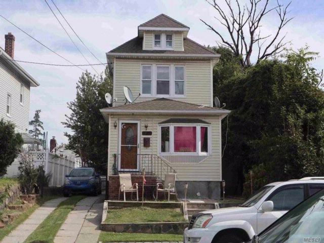 3 BR,  2.50 BTH  Colonial style home in Fresh Meadows