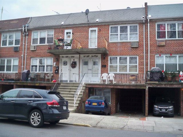 [Howard Beach Real Estate, listing number 3037230]
