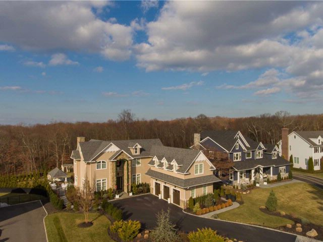5 BR,  3.50 BTH Colonial style home in Smithtown
