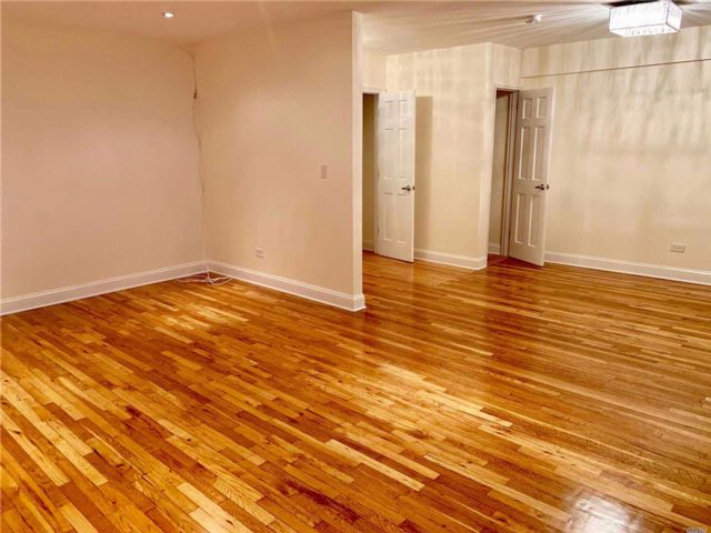 2 BR,  1.00 BTH Co-op style home in Elmhurst