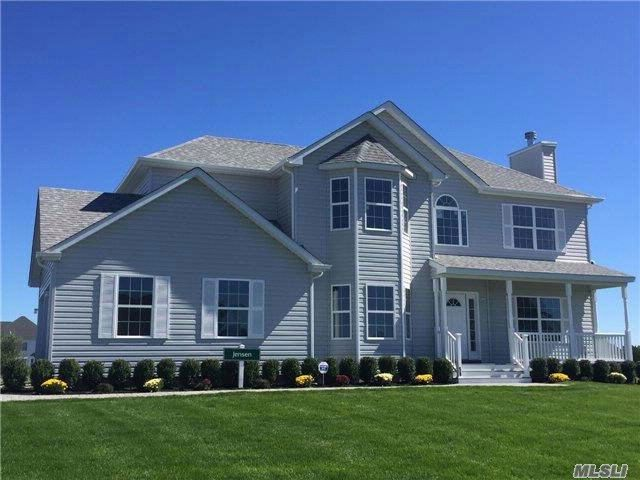 4 BR,  2.50 BTH Colonial style home in Manorville