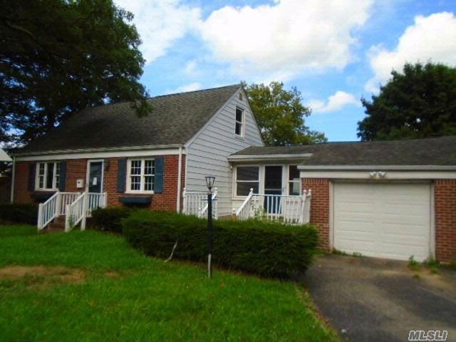[Huntington Station Real Estate, listing number 3037572]