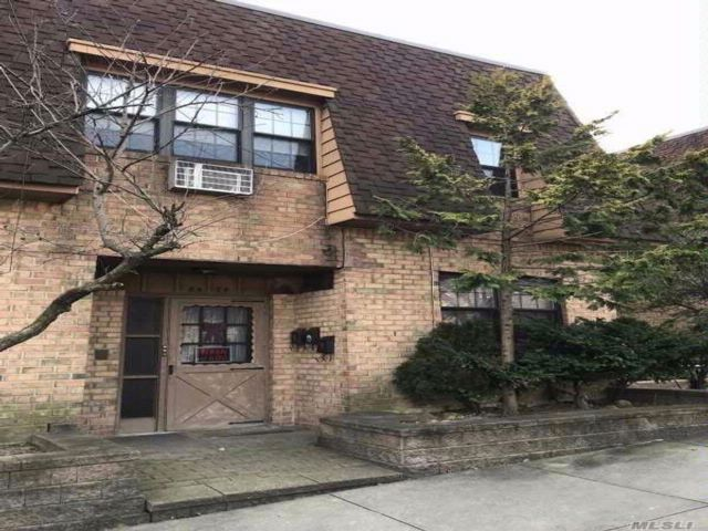 5 BR,  5.00 BTH Condo style home in Woodhaven