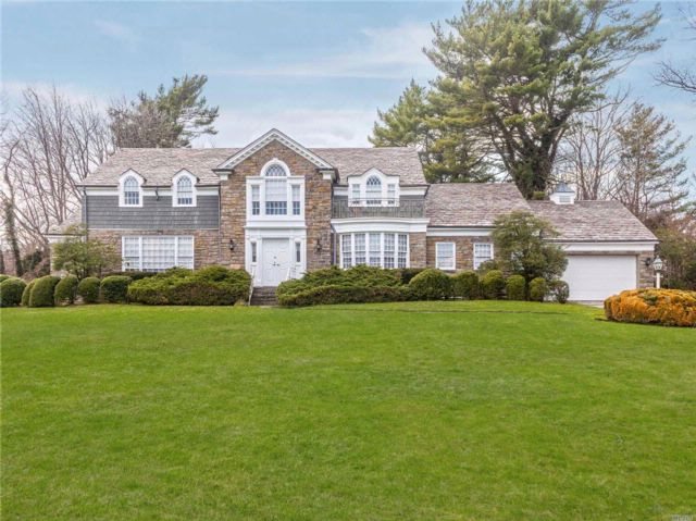 5 BR,  4.50 BTH Colonial style home in Hewlett Bay Park