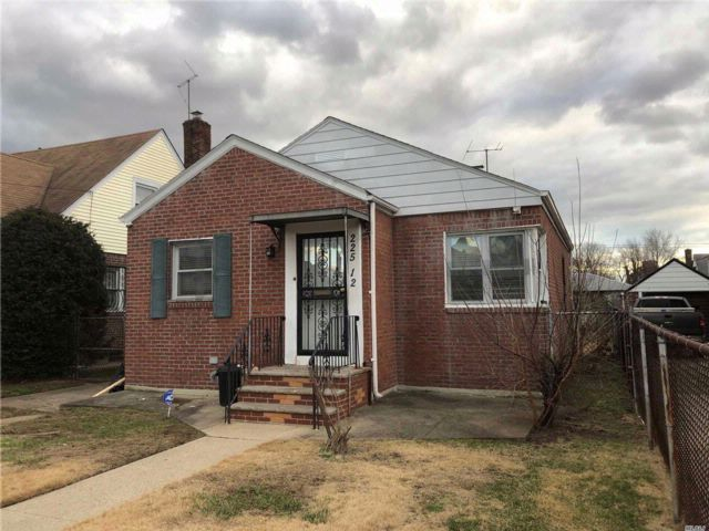 2 BR,  1.00 BTH  Ranch style home in Cambria Heights
