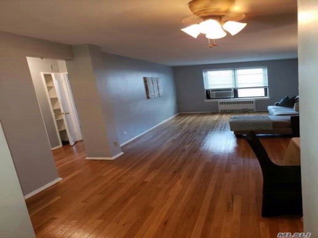 1 BR,  1.00 BTH  Co-op style home in Hollis