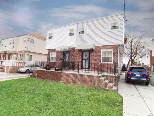 3 BR,  2.50 BTH  2 story style home in Canarsie