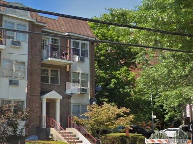 [Jamaica Estates Real Estate, listing number 3042486]